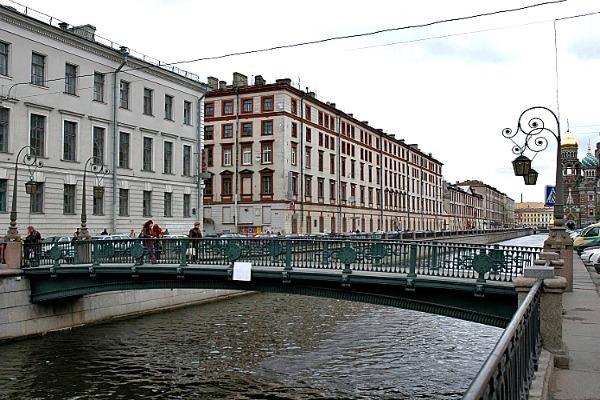 The Italian Bridge in St Petersburg, Russia - Photo courtesy of Alexei Kouprianov, Wikimedia.