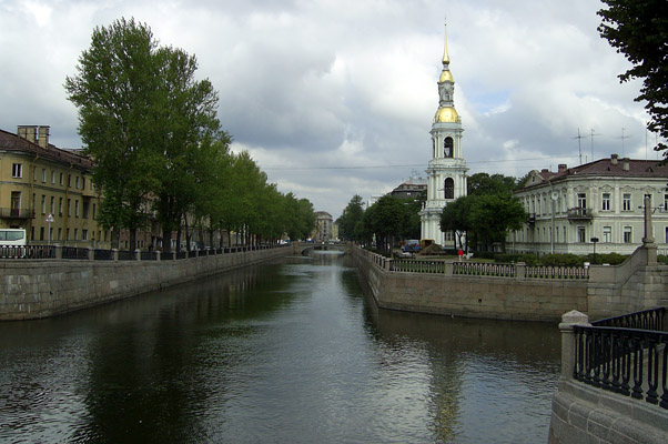 The Kryukov Canal - Photo courtesy of Barichev, Wikimedia Commons.