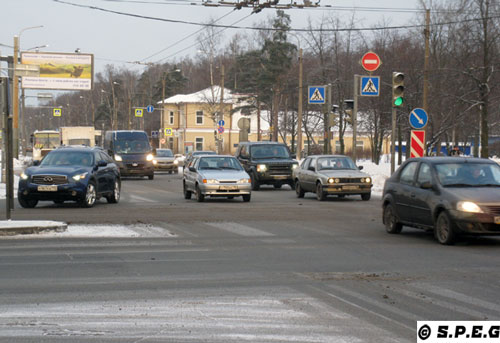 Starting from the left, you can see cars driving in St Petersburg; following from the top, that's me (Davide) with our family car at the dacha, and other cars on a bad road outside the city.