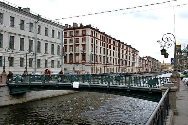 The Italian Bridge in St Petersburg, Russia - Photo courtesy of Alexei Kouprianov, Wikimedia.