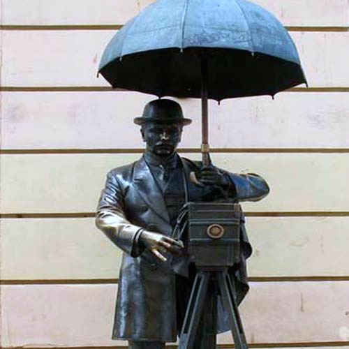 Monument to the St. Petersburg Photographer.