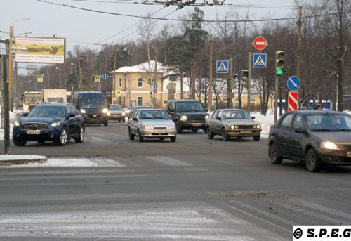 St Petersburg by Car