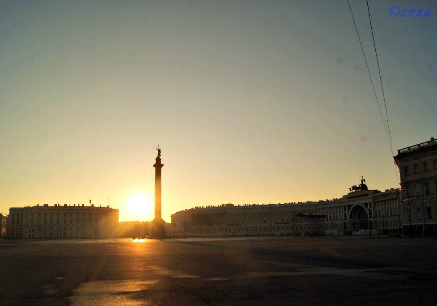 Sunset at the Palace Square, St Petersburg, Russia.